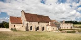 Abadía cisterciense de Fontmorigny en cister .org