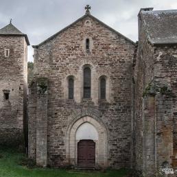 Fachada oeste de la iglesia de la abadía cisterciense de Bonnecombe