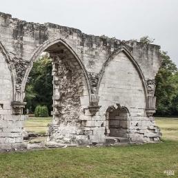 Armarium en el claustro de la abadía cisterciense de Chaalis