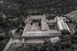 Abadía cisterciense de Fontfroide desde el cielo